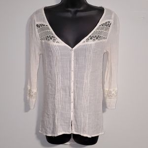 *Mudd* Light & Airy Lace Button Front Top